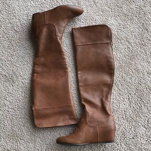 NWOT Jennifer Lopez Brown Boots