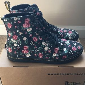 Doc Martens- Vintage Rose Canvas