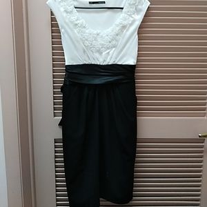 Maurice Black and White Size ,7/8 Dress