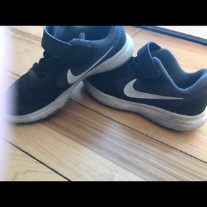 Nike's boys shoes