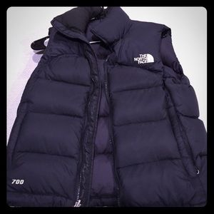 XS black north face puffer vest