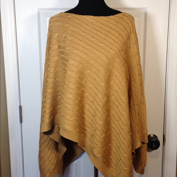 60829b41b Gorgeous Ralph Lauren cable knit poncho M L. M 5a317e3e620ff79aea0194c8