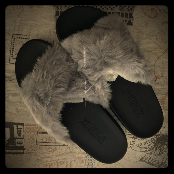 42a6f8bc75152 Victoria's Secret PINK Faux Fur Slides, NWT NWT