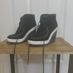 United Nude Platform shoes