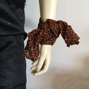 Accessories - Leopard scarf or sash