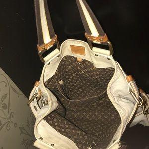 355a573a37f8 Louis Vuitton Bags - Louis Vuitton Globe Shopper Cabas MM tote