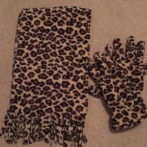 Accessories - Leopard Print Scarf & Gloves Set
