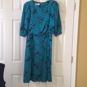Dresses & Skirts - Vintage Maggy London dress