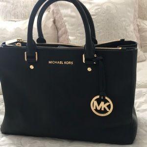 354562e0ccb3 Handbags - Michael Michael Kors Savannah Large Satchel -Black