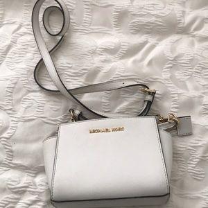 7c95beb8218e Handbags - Michael Kors Crossbody Bag - White