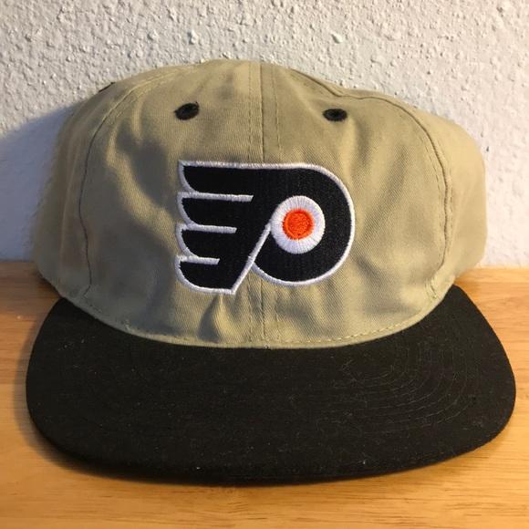 09d45192ddc Vintage Philadelphia Flyers Hat. M 5a31a7ce6d64bcfdd202393f