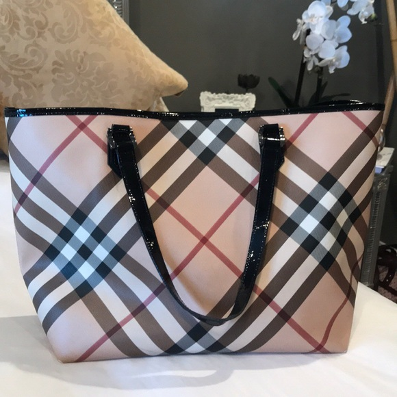 a6467163ea7 Burberry Bags   Authentic Bag   Poshmark