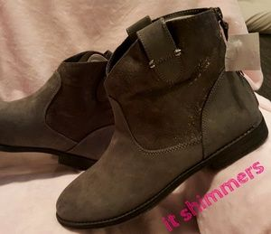 Cat&Jack Sadie Ankle Boots in Gray Big Girls Sz 6