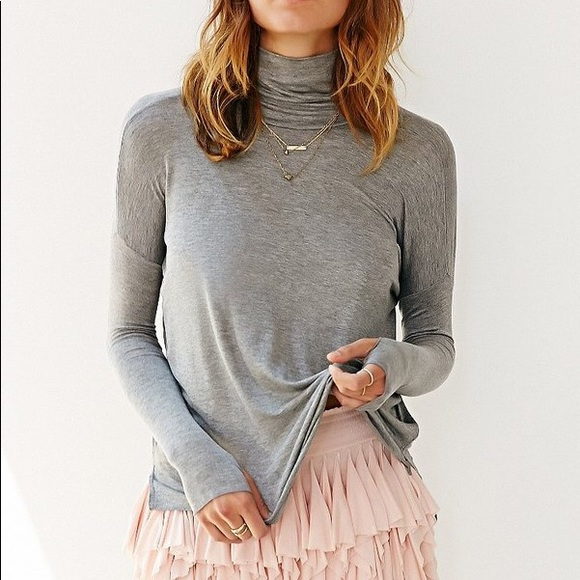 Urban Outfitters Tops - Kimchi Blue Dolman Turtleneck
