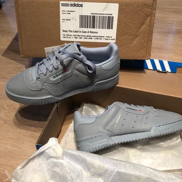 ??Adidas x Yeezy Yeezy Powerhouse Grey 7.5?? Boutique