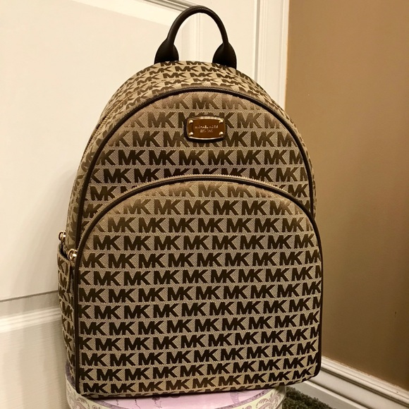 165429471d8f7 Michael Kors Abbey LARGE Backpack