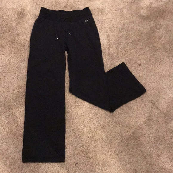 complete in specifications best authentic durable in use Women's Nike sweatpant. Straight leg, fleece lined