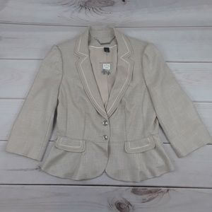 Jackets & Blazers - NWT White House Black Market cream blazer. Sz 10.