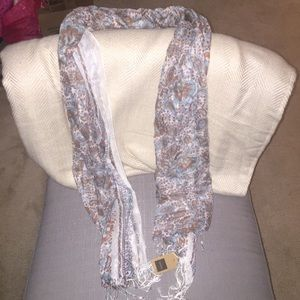 Accessories - NWT Patterned Paisley Scarf