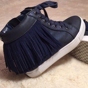 Steve Madden girl 2 navy leather Jfreaky sneakers