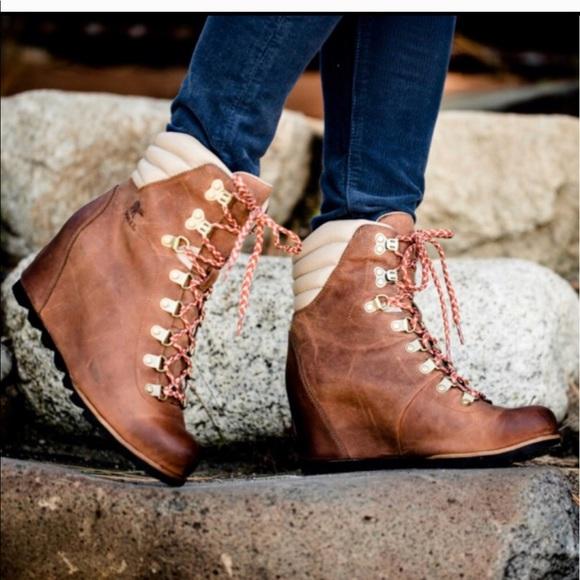 f876a67c0bd13 Brand New Sorel Conquest Wedge Boots