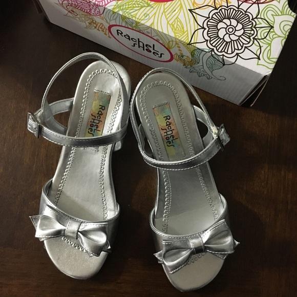 Girls Size 4 Silver Dress Shoes   Poshmark