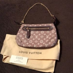5a8e3ddfdac2 Authentic Louis Vuitton Idylle mini pochette acc.