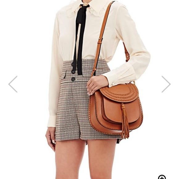 b15ece399e04a NWT CHLOÉ Hudson Medium Shoulder Bag Crossbody 👛. Boutique. Chloe.  M_5a31ffc6eaf030117c0127f2. M_5a31ffc241b4e00dec0120b3.  M_5a31ffc513302a8879011c0d