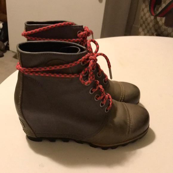 7c9b83926a9 Sorel PDX WEDGE BOOTS. M 5a31ff8e41b4e065e0011fc6
