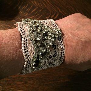 Jewelry - Lovely rhinestone chic bracelet