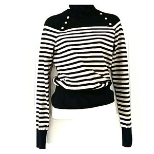 Sweaters - WOMENS SWEATER SIZE S/M