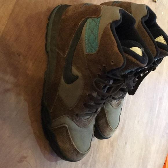 Adorable Vintage Nike Hiking Boots