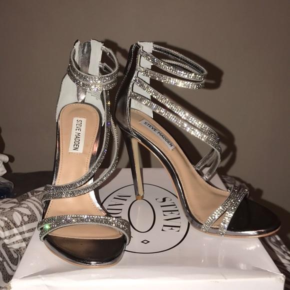 dbef065ad338 Steve Madden Sweetest Pewter Heels. M 5a32ba0778b31c84ec02d3df
