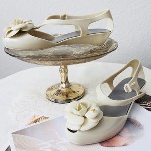 Shoes - Strap On Sandals Sz38/8