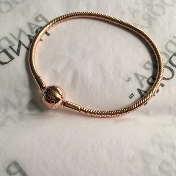 40b57428970c7 Pandora Smooth Rose Gold Bracelet