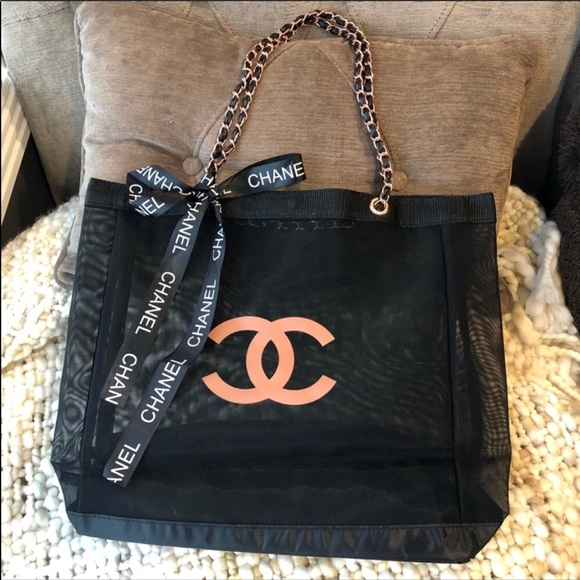 CHANEL Bags   Vip Beauty Gift Rose Gold Chain Tote Bag   Poshmark 35b424d4f7