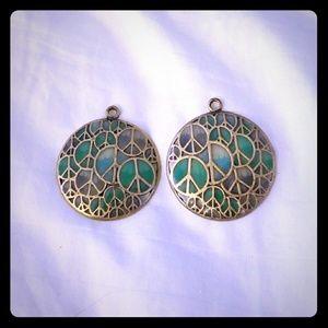 Jewelry - Universal earrings