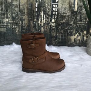 52fabb33db2 ✨Kids' UGG Harwell Leather Boots in Stout