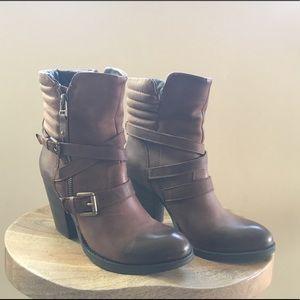 Steve Madden boots!!! $60