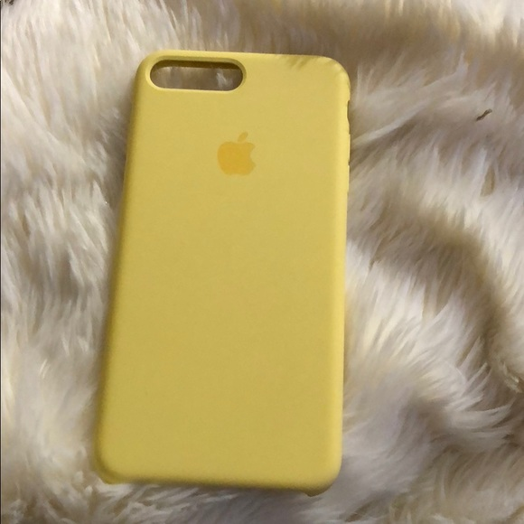 brand new b37a4 9feae Apple iPhone 7 Plus yellow case