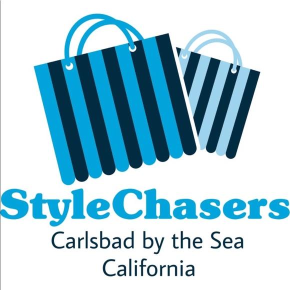 3749548a6 stylechasers !'s Closet (@stylechasers) | Poshmark