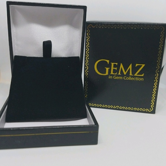 86af17d9 Gemz in gem Collection's Closet (@gemzingem) | Poshmark