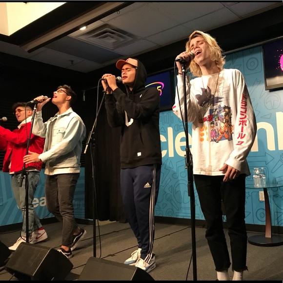 Robeez Singing Julia Flat
